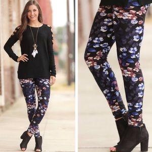 Women's Black Floral Print Premium Leggings!